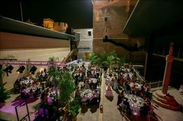 Boda 7 de julio de 2012 en el Palacio de Altamira de Elche decoración ornamental realizada por la empresa Parkinsonia